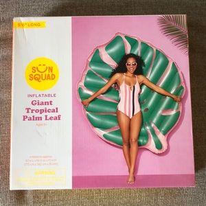 Palm leaf pool float